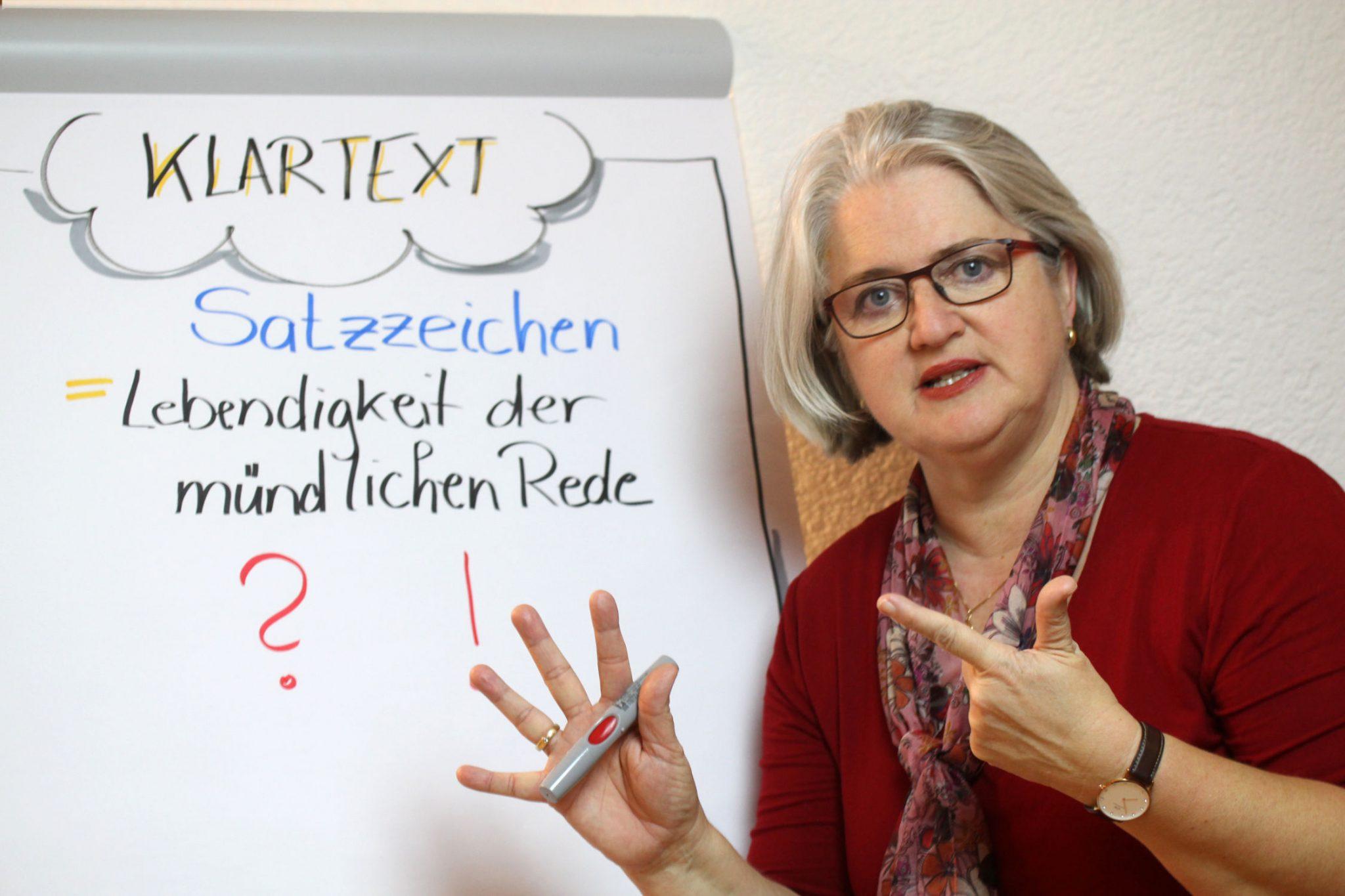 Foto: M. Seubert während ihres Schreibworkshops Klartext
